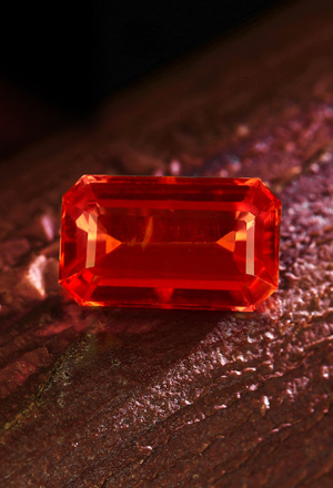 Saphir Rouge du Soir