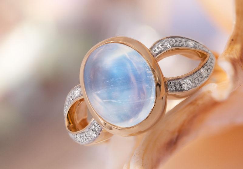 Un bijoux en Labradorite