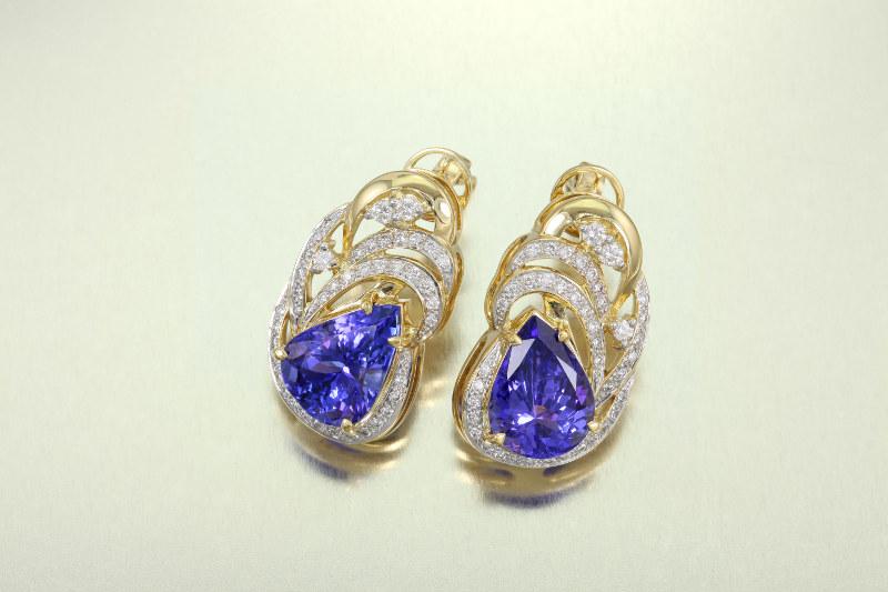 bijoux en Tanzanite comme cette paire de boucles d'oreilles