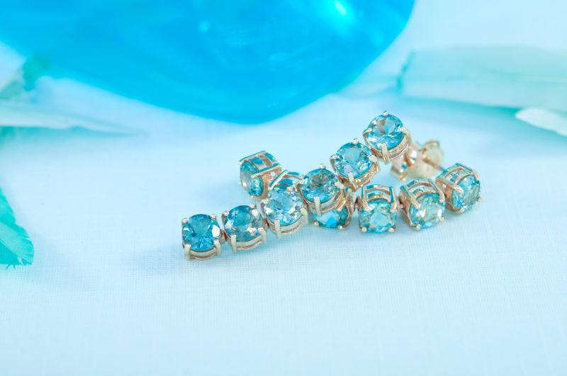 Bracelet en pierre de topazes bleues